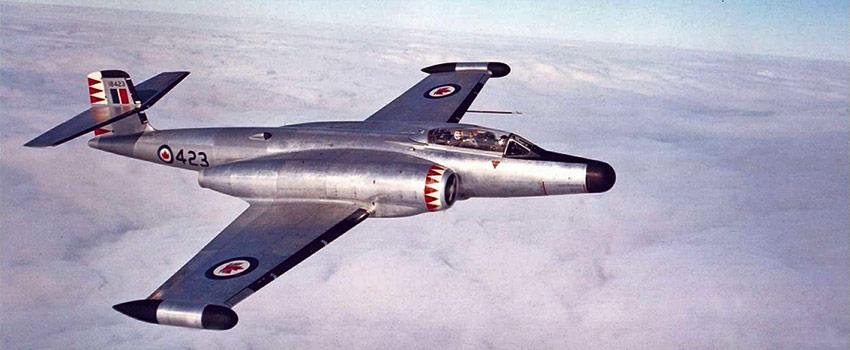 CF100-03_xs